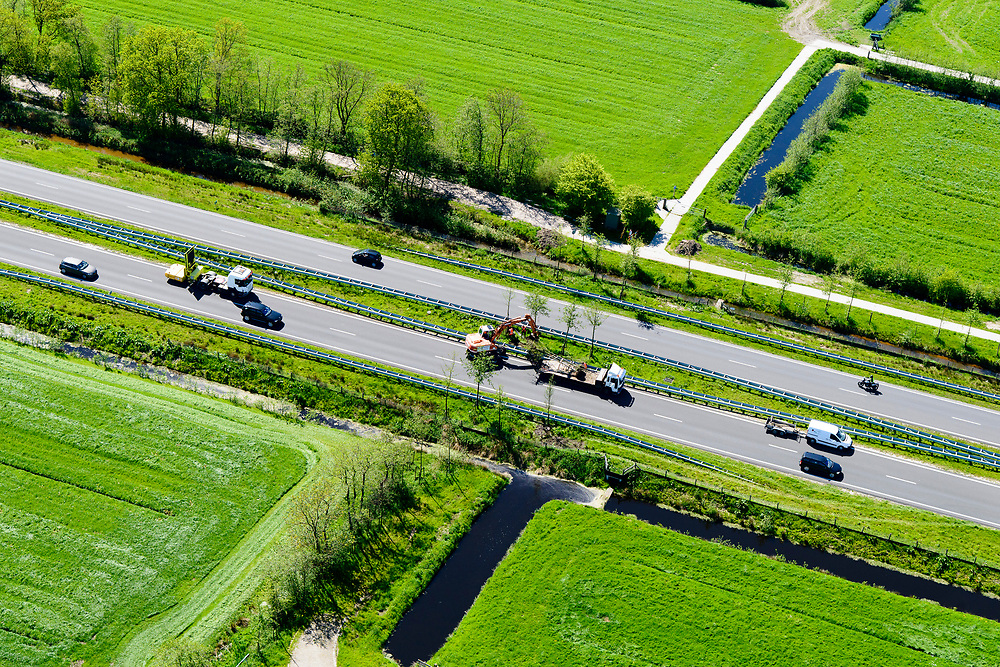 Nederland, Friesland, Centrale As, 07-05-2018; provinciale weg 356 (N356), Sintrale As of de Centrale As, tussen Nijega en Dokkum.<br /> Lokatie ter hoogte van Damwald, kamertjes landschap. Herstel landschap, aanplant boompjes.<br /> New local motorway Friesland<br /> luchtfoto (toeslag op standaard tarieven);<br /> aerial photo (additional fee required);<br /> copyright foto/photo Siebe Swart