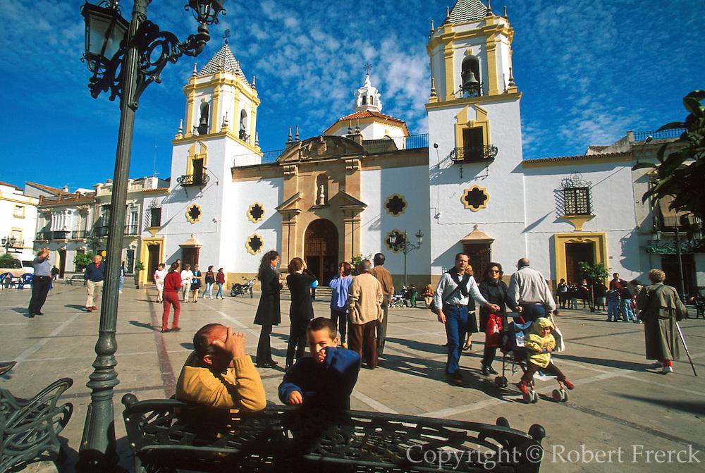 SPAIN, ANDALUSIA, RONDA 'pueblo blanco'; Plaza Mayor