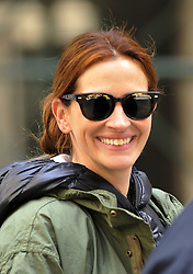 April 18, 2015 - New York City, NY, USA - Actress Julia Roberts was on the downtown set of the new movie 'Money Monster' on April 18 2015 in New York City  (Credit Image: © Curtis Means/Ace Pictures/ZUMA Wire)