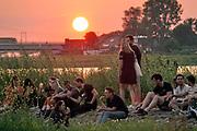 Nederland, The Netherlands, Nijmegen  22-6-2019Recreatie, ontspanning, cultuur, dans, theater en muziek in de stad. Jaarlijks cultuurfestival de Kaaij. Vindt plaats gedurende de hele zomer, met hoogtepunt tijdens de vierdaagsefeesten . Vanwege de onderhoudswerkzaamheden aan de oude waalbrug is het terrein kleiner als normaal. Toch is de sfeer hetzelfde en erg relaxed .Foto: Flip Franssen