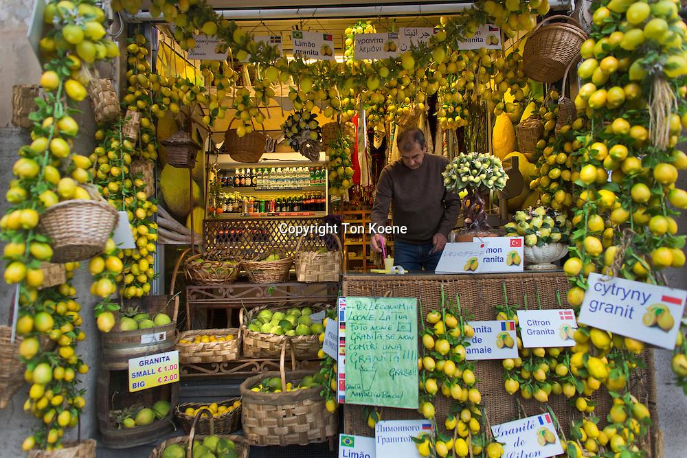 lemon juice shop in naples