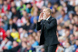 Head Coach Garry Monk of Swansea City shouts - Photo mandatory by-line: Rogan Thomson/JMP - 07966 386802 - 27/08/2014 - SPORT - FOOTBALL - Sunderland, England - Stadium of Light - Sunderland v Swansea City - Barclays Premier League.