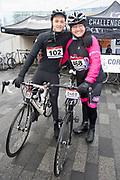 De Hollandse 100 2019. Tijdens het evenement wordt 10 kilometer geschaatst en 90 kilometer gefietst om geld op te halen voor onderzoek naar lymfklierkanker.  <br /> <br /> The Dutch 100 2019. During the event, 10 kilometers are skated and 90 kilometers cycled to raise money for research into lymph node cancer.<br /> <br /> Op de foto / On the photo:  Rene Froger   en Max  Froger