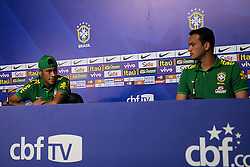 Neymar Jr. e Réver durante coletiva de imprensa da Seleção Brasileira no Hotel Brasíla Palace, em Brasília, DF. A seleção enfrenta o Japão no próximo dia 15 na abertura da Copa das Confederações. FOTO: Jefferson Bernardes/Preview.com