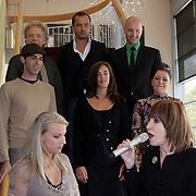 NLD/Amsterdam/20081001 - Lunchconcert musical Piaf Hotel, volledige cast, Liesbeth List zingend
