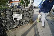 Nederland, Breskens, 5-9-2019 In het centrum van het stadje aan de westerschelde is een leintje opgeknapt met steun, subsidie, van het europees fonds voor regionale ontwikkeling .Foto: Flip Franssen