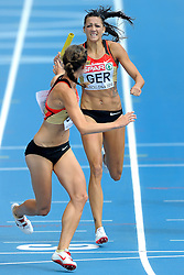 31-07-2010 ATLETIEK: EUROPEAN ATHLETICS CHAMPIONSHIPS: BARCELONA<br /> Janin Lindenberg competes as first Germans athlete during the 4x400m Womens Relay and Esther Cremer<br /> ©2010-WWW.FOTOHOOGENDOORN.NL