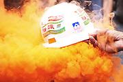 Un operaio sardo dello stabilimento Alcoa protesta contro la possibilita' di chiusura degli impianti nella zona di Portovesme. Roma - Ministero dello Sviluppo Economico 10 settembre 2012. Matteo Ciambelli / OneShot