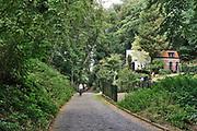 Nederland; Ubbergen; Berg en Dal; Nijmegen; 4-8-2020; Doorkijkjes richting Ooijpolder geinspireerd op schilderijen uit de romantiek.  Holle weg.. Helaas zijn er zoveel bomen en gebouwen verschenen dat de exacte locaties en uitzichten niet te vinden zijn.Helaas zijn er zoveel bomen en gebouwen verschenen dat de exacte locaties en uitzichten niet te vinden zijn..Foto: ANP/ Hollandse Hoogte/ Flip Franssen
