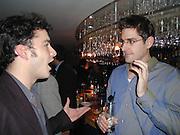 Giles Coren and Louis Theroux. Julia Llewellen Smith book launch. Soho House. 29/11/00 © Copyright Photograph by Dafydd Jones 66 Stockwell Park Rd. London SW9 0DA Tel 020 7733 0108 www.dafjones.com