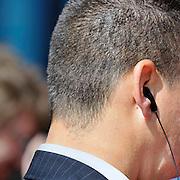 Nederland, Nijmegen, 18-4-2014Een pariculiere beveiliger staat met een oortje in zijn oor bij een officiele gebeurtenis.FOTO: FLIP FRANSSEN/ HOLLANDSE HOOGTE