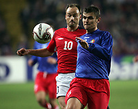 Fotball , 08. oktober 2005 , VM-kvalifisering , Norge - Moldova 1-0<br /> Norway - Moldova<br /> Iuri Priganiuc Moldova og Sigurd Rushfeldt Norge
