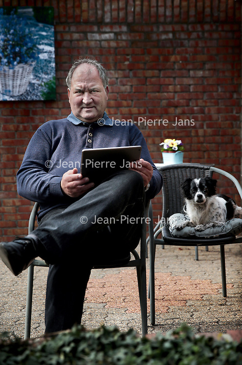 Nederland. Nieuwstad. 7 april 2015.<br /> Jan Cremers, ZZP-er en 50 plusser.<br /> Foto: Jean-Pierre Jans