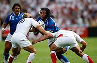 Photo: Richard Lane/Sportsbeat Images.<br />England v Samoa. Pool A, IRB Rugby World Cup, RWC 2007. 22/09/2007. <br />Samoa's Henry Tuilagi attacks.