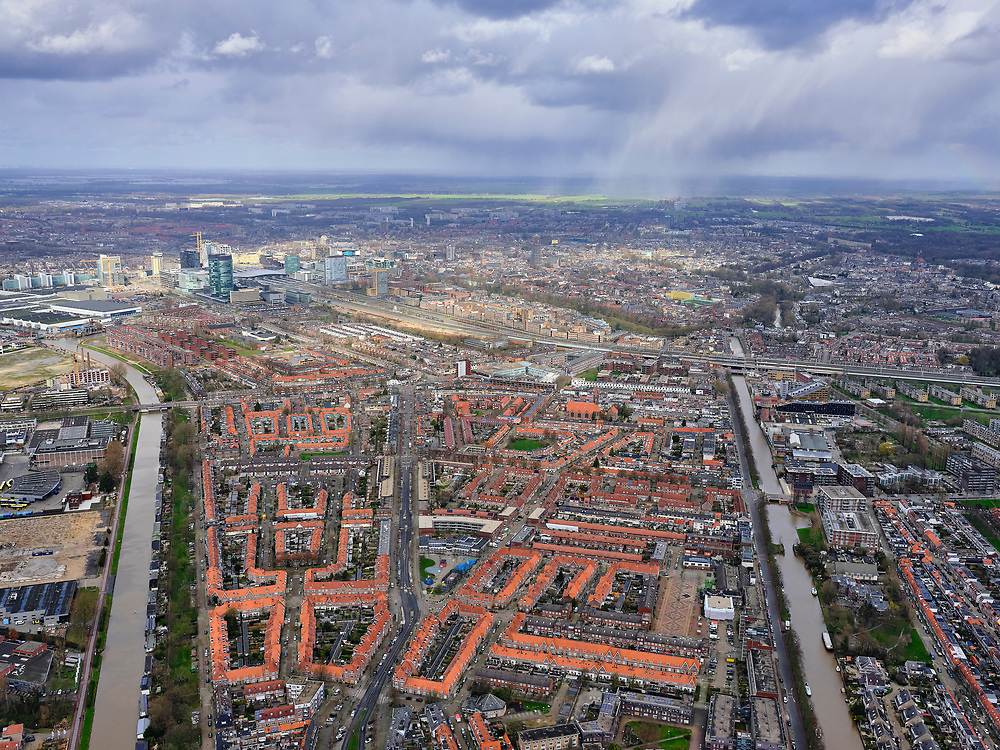 Nederland, Utrecht, Utrecht, 25-02-2020; de wijk Zuidwest, de buurt Rivierenwijk.<br /> Utrechtsouthwest.<br /> <br /> luchtfoto (toeslag op standard tarieven);<br /> aerial photo (additional fee required)<br /> copyright © 2020 foto/photo Siebe Swart