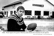 Paidi OSe outside his pub in 1985..Picture by Don MacMonagle