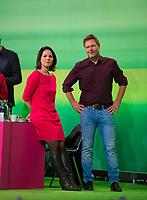 DEU, Deutschland, Germany, Leipzig, 09.11.2018: Annalena Baerbock und Dr. Robert Habeck, Bundesvorsitzende von BÜNDNIS 90/DIE GRÜNEN. Bundesparteitag von BÜNDNIS 90/DIE GRÜNEN, Messe Leipzig. Auf dem Parteitag wurden die KandidatInnen für die Europawahl im Mai 2019 gewählt.