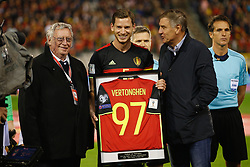 October 10, 2017 - Brussels, BELGIUM - KBVB-URBSFA Belgium soccer union Chairman Gerard Linard and Belgium's captain Jan Vertonghen and Jan Ceulemans pictured as Ceulemans hands over the shirt of the number of selection, 97 for Vertonghen, new Belgian record, 97, ahead of a soccer game between Belgian national team Red Devils and Cyprus, in Brussels, Tuesday 10 October 2017, game 9 in Group H of the qualifications for the 2018 World Cup. BELGA PHOTO BRUNO FAHY (Credit Image: © Bruno Fahy/Belga via ZUMA Press)