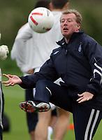 Photo: Paul Thomas.<br /> England Training. 06/10/2006.<br /> <br /> Steve McClaren.