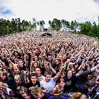 Publikum med Killswitch Engage på Amfiscenen på Hovefestivalen.<br /> Foto: Tor Erik Schrøder NTB scanpix