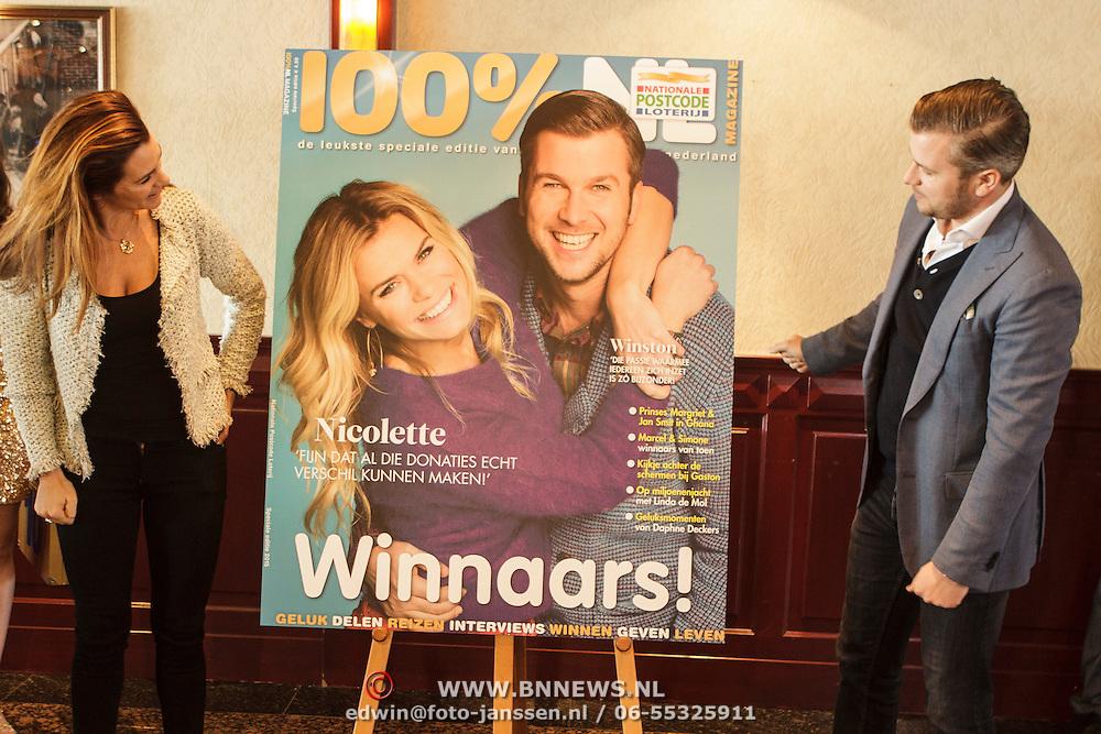 NLD/Volendam/20150305 - Winston Gerschtanowitz onthult grootste 100%NL Magazine aller tijden,
