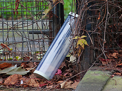 © Licensed to London News Pictures. 06/11/2018. Tulse Hill, UK. An evidence case on the ground where it is believed a knife was found, as a murder investigation is launched by police after a 16 year old boy was found with fatal injuries in Tulse Hill last night.   Photo credit: Grant Falvey/LNP