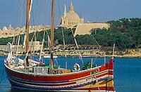 Malte, La Valette classée Patrimoine Mondial de l'UNESCO, bateau traditionnel // Malta, Valetta, Unesco world heritage, traditional boat