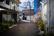 Een straat in de wijk Menteng, Jakarta