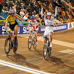 Nederlands Kampioenschap puntenkoers vrouwen in het Omnisportcentrum Apeldoorn Kirsten Wild Kampioen vna Nederland op de puntenrace