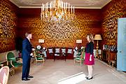 DEN HAAG, 15-4-2021 , Paleis Huis ten Bosh<br /> <br /> Koning Willem Alexander ontvangt kamervoorzitter Vera Bergkamp op Paleis Huis ten Bosh