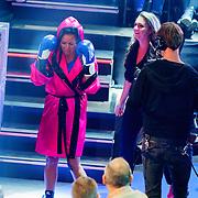 NLD/Amsterdam/20181107 - Opname Boxingstars 2018, 2e aflevering, opkomst Michaella Kox en dochter Marja