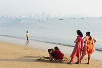 India, Bombay, Mumbai, Marine Drive beach