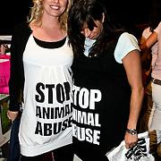 NLD/Amsterdam/20080508 - Mom's Moment voor zwangere vrouwen, Bridget Maasland en Amanda Krabbe