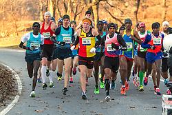 lead pack of elite men, Sambu, Riley, Meb
