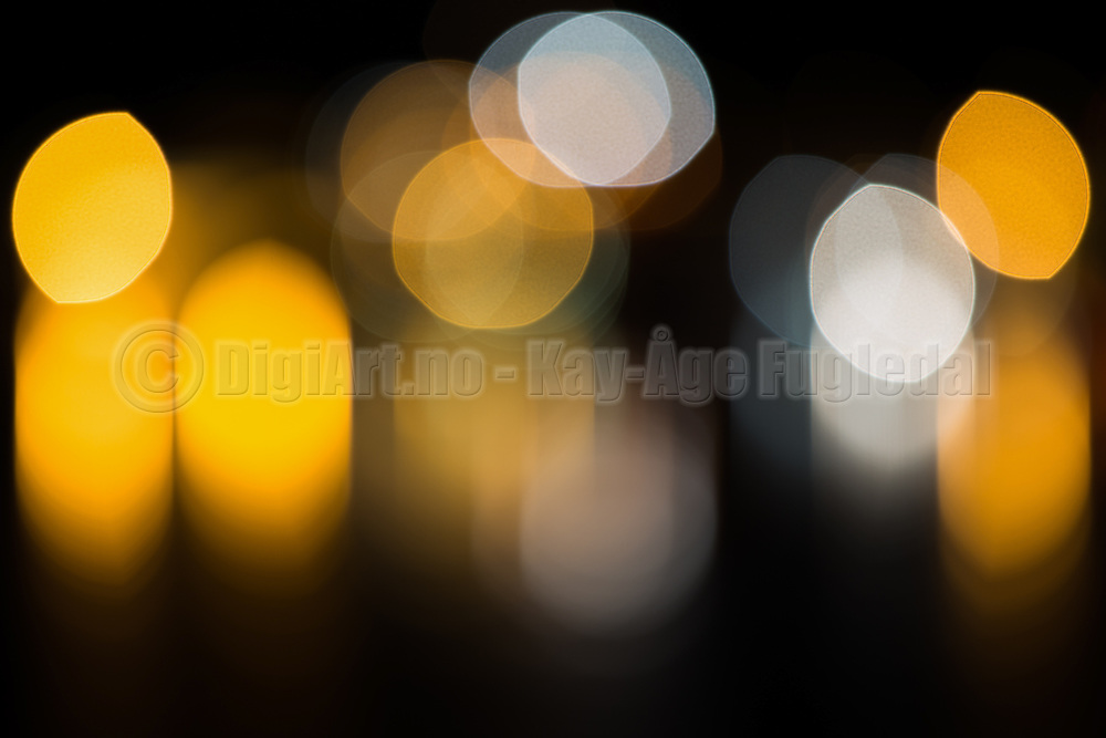 Creative light photography. I found the light, but lost the focus. Bokeh has been defined as the way the lens renders out-of-focus points of light | Kreativ lys fotografering. Jeg fant lyset, men mistet fokus. Bokeh har blitt definert som hvordan et objektiv gjengir uskarpe lyspunkt.