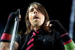 Anthony Kiedis Red Hot Chili Peppers Don Valley Stadium Sheffield.6th July 2006.Copyright Paul David Drabble