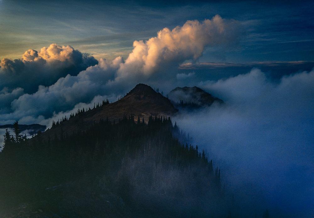 Stegosaurus Ridge, evening clouds, view from Blue Mountain, Olympic National Park, Washington, USA