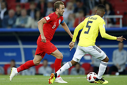 (l-r) Harry Kane of England, Wilmar Barrios of Colombia during the 2018 FIFA World Cup Russia round of 16 match between Columbia and England at the Spartak stadium  on July 03, 2018 in Moscow, Russia