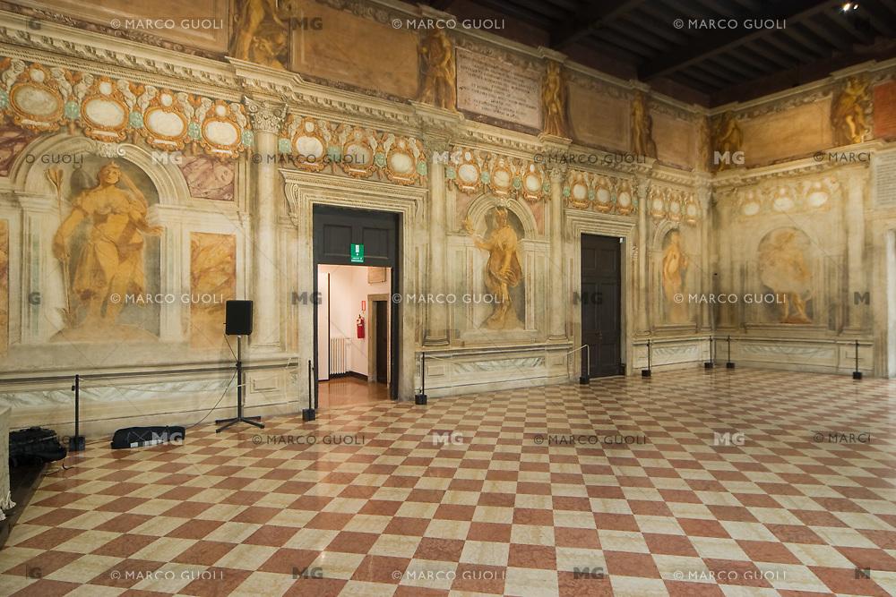 TEATRO OLIMPICO (architetto Andrea Palladio 1580), SALA DEGLI SPECCHI, VICENZA, VENETO, ITALIA