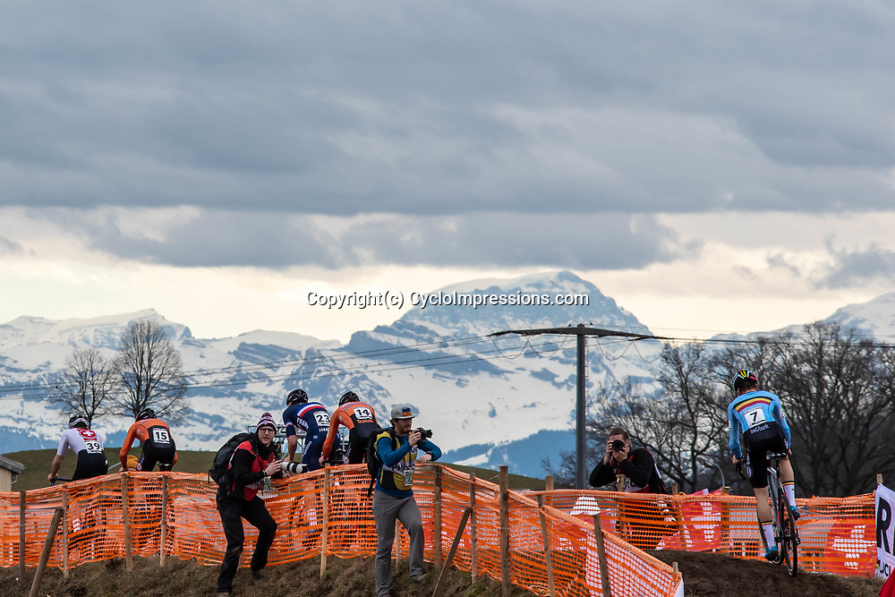 20190201: UCI CX Worlds : Dübendorf: The alps giving an impressing background