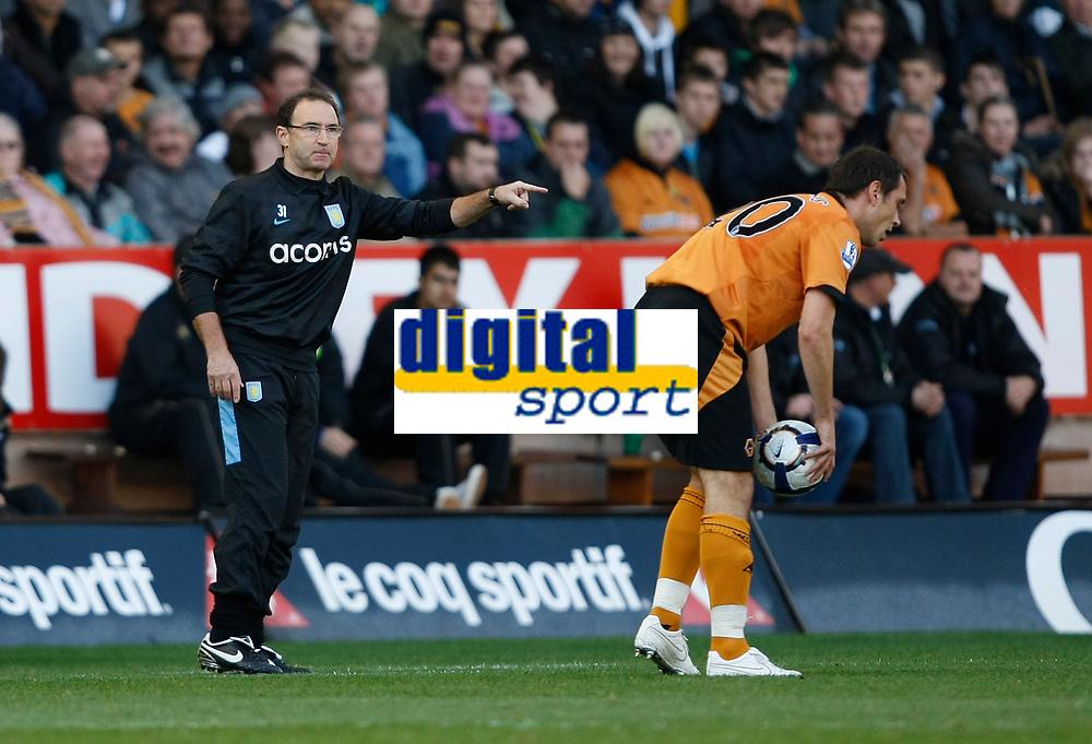 Photo: Steve Bond/Richard Lane Photography. Wolverhampton Wanderers v Aston Villa. Barclays Premiership 2009/10. 24/10/2009. Martin O'Neill gives instructions as Wolves attack