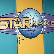 Start Starmaker Almere, logo voordeur