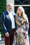 Zomerfotosessie 2018 bij Villa de Eikenhorst in Wassenaar<br /> <br /> Summer photo session 2018 at Villa de Eikenhorst in Wassenaar<br /> <br /> Op de foto / On the photo:  Koning Willem-Alexander en prinses Amalia<br /> <br /> King William Alexander and Princess Amalia