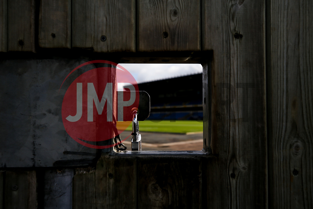 A general view of The Kassam Stadium, home to Oxford United, with the gates locked to fans due to Covid-19 protocols - Mandatory by-line: Robbie Stephenson/JMP - 06/10/2020 - FOOTBALL - Kassam Stadium - Oxford, England - Oxford United v Bristol Rovers - Leasing.com Trophy