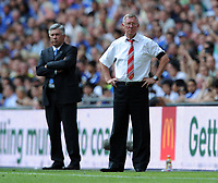 Fotball<br /> England<br /> Foto: Fotosports/Digitalsport<br /> NORWAY ONLY<br /> <br /> Alex Ferguson Manager with Chelsea Manager Carlo Ancelotti<br /> Manchester United 2009/10<br /> Chelsea V Manchester United 09/08/09<br /> Chelsea Win on Penalties (4-1) after penalty shoot out<br /> The FA Community Shield 2009 Wembley Stadium