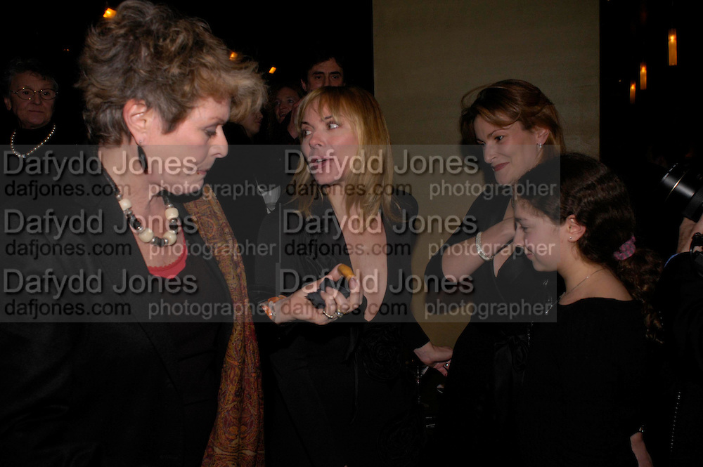 Janet Suzman, Kim Cattrall and  Lady Hall. Whose Life is it Anyway? opening night performance at Comedy Theatre, Panton Street followed by Party at Mint Leaf. London. 26 January 2005. ONE TIME USE ONLY - DO NOT ARCHIVE  © Copyright Photograph by Dafydd Jones 66 Stockwell Park Rd. London SW9 0DA Tel 020 7733 0108 www.dafjones.com