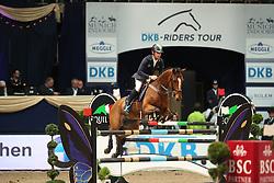 Lynch Denis, (IRL), Zamora<br /> DKB-Riders Tour<br /> Grand Prix Kreditbank Jumping München 2015<br /> © Hippo Foto - Stefan Lafrentz