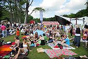 Nederland, Nijmegen, 24-5-2010MusicMeeting. Fesivalterrein in park Brakkenstein. Het mooie weer zorgde voor veel bezoekers en een goede sfeer.Foto: Flip Franssen/Hollandse Hoogte