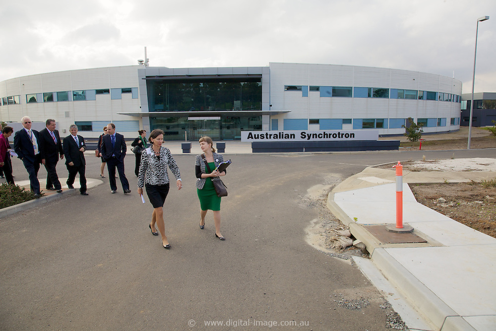 Australian Synchrotron Funding Announcement by:.Senator the Hon Chris Evans.Minister for Tertiary Education, Skills, Science and Research.and.Anna Burke MP.Federal Member for Chisholm