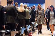 Hare Majesteit Koningin Máxima woont dinsdagochtend 21 maart in het Vredespaleis in Den Haag de opening bij van de derde editie bij van de 'Impact Summit Europe 2017' die op 21 en 22 maart wordt gehouden.  De internationale bijeenkomst richt zich op 'impact investing', een investeringsvorm waarbij naast het financieel rendement ook naar de positieve maatschappelijke effecten wordt gekeken. <br /> <br /> Her Majesty Queen Máxima live Tuesday morning, March 21 at the Peace Palace in The Hague at the opening of the third edition in the 'Impact Summit Europe 2017' to be held on 21 and 22 March. The international meeting focuses on 'impact investing', a form of investment which also looks at the positive social impacts in addition to financial returns.<br /> <br /> Op de foto / On the photo: Koningin Maxima / Queen Maxima